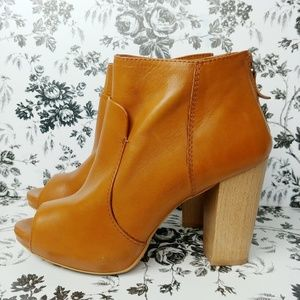 Zara Basic Collection peep toe heel booties sz 8.5